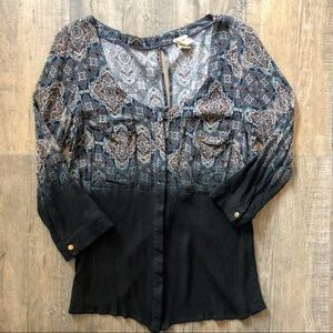 Gimmicks by BKE Blouse